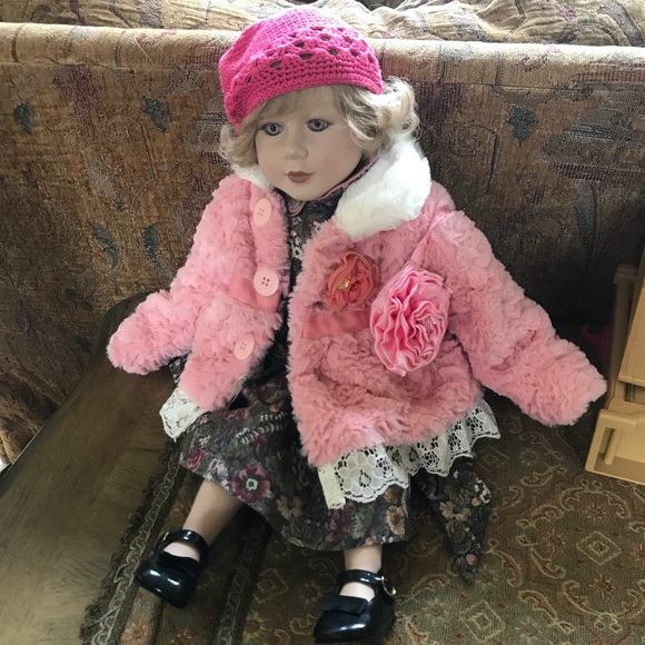 american girl Other - My twinn blonde American girl doll